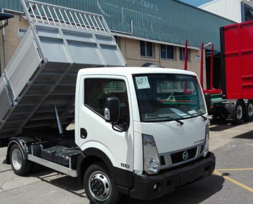 Carrocerías Tambre: carrocería basculante de caja abierta para camiones de 3500 kg