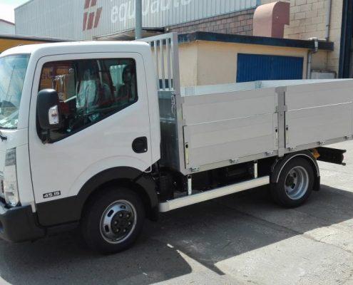 Carrocerías tambre: Carrocería basculante tipo caja abierta para camiones de 3.500 kg.